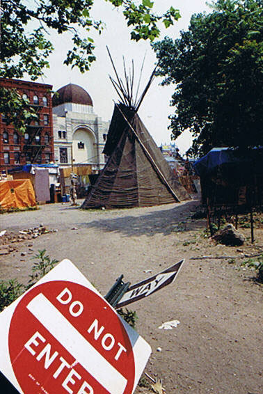 tipi DO NOT ENTER
